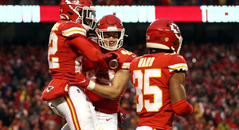 Chiefs versus Raiders score: Kansas City's protection dominates as Chiefs assume responsibility for AFC West