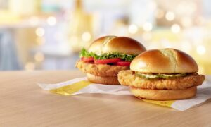 McDonald's at last enters the chicken sandwich wars begin by Popeyes
