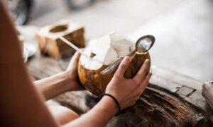 Coconut Water : Amazing benefits for Skin, How to acquire that Dewy Glow