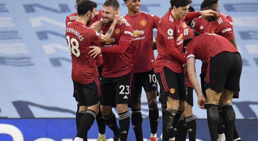 Manchester United ends Manchester City's 21-game winning streak, with a brightly executes 2-0 victory