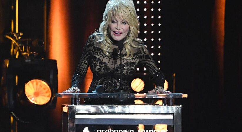 Dolly Parton's 'MusiCares Person of the Year' concert coming on Netflix at April 7