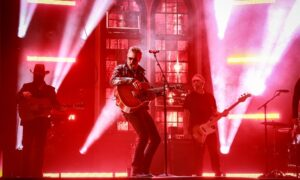 "Eric Church rolling out debut of new song ""Bunch of Nothing"" at 2021 ACM Awards"