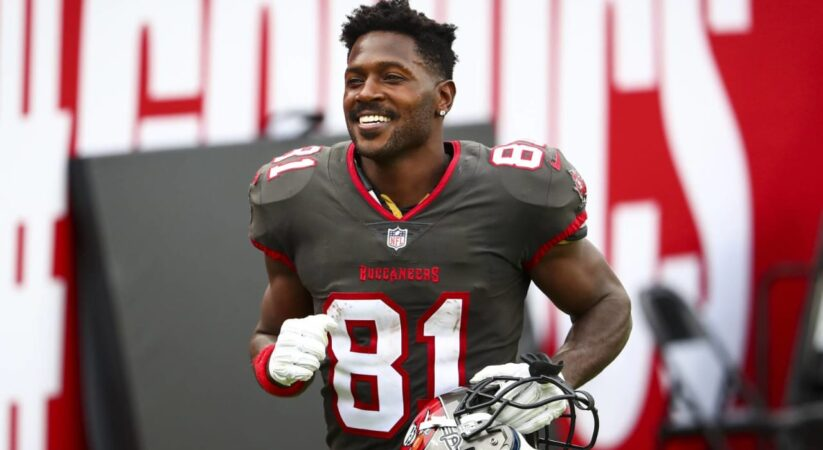 Antonio Brown agree to sign new 1-year deal with Buccaneers